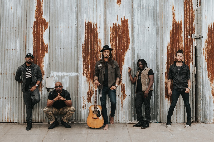 Michael Franti & Spearhead Photo #2